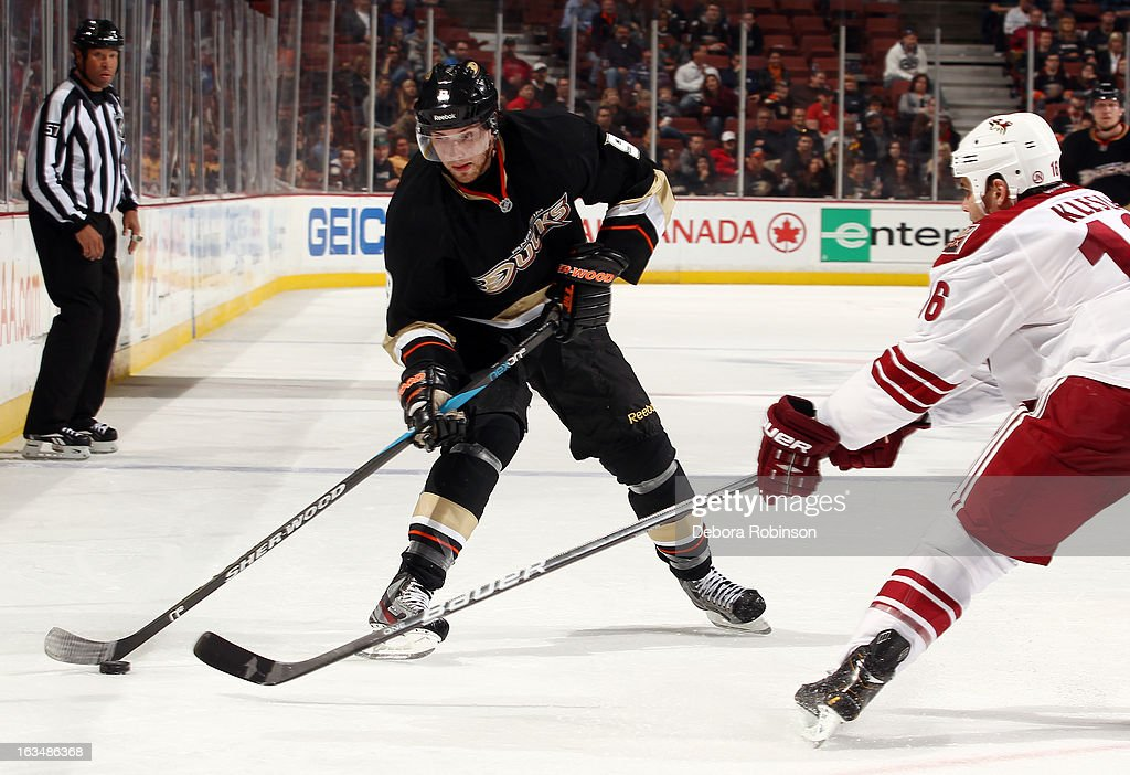Bobby Ryan #9 of the Anaheim Ducks handles the puck against Rostislav Klesla #16 of the Phoenix Coyotes on March 6, 2013 at Honda Center in Anaheim, California.