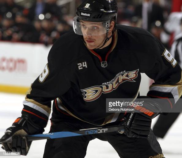 Bobby Ryan of the Anaheim Ducks prepares for a face off against the Los Angeles Kings during the game on November 17 2011 at Honda Center in Anaheim...