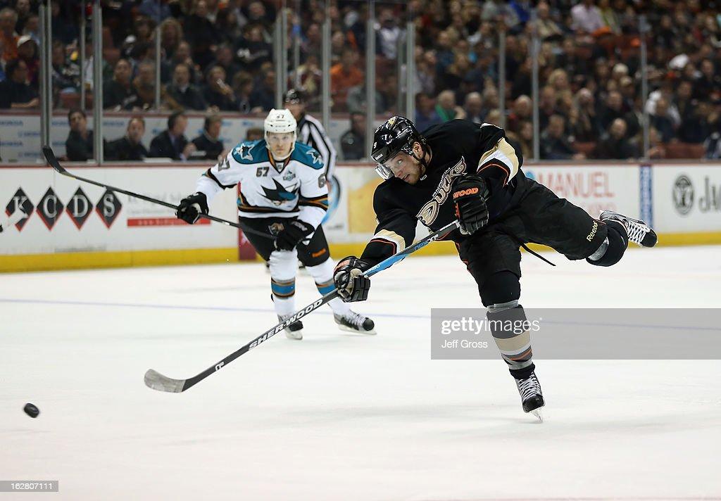 Bobby Ryan #9 of the Anaheim Ducks shoots the puck against the San Jose Sharks at Honda Center on February 4, 2013 in Anaheim, California.