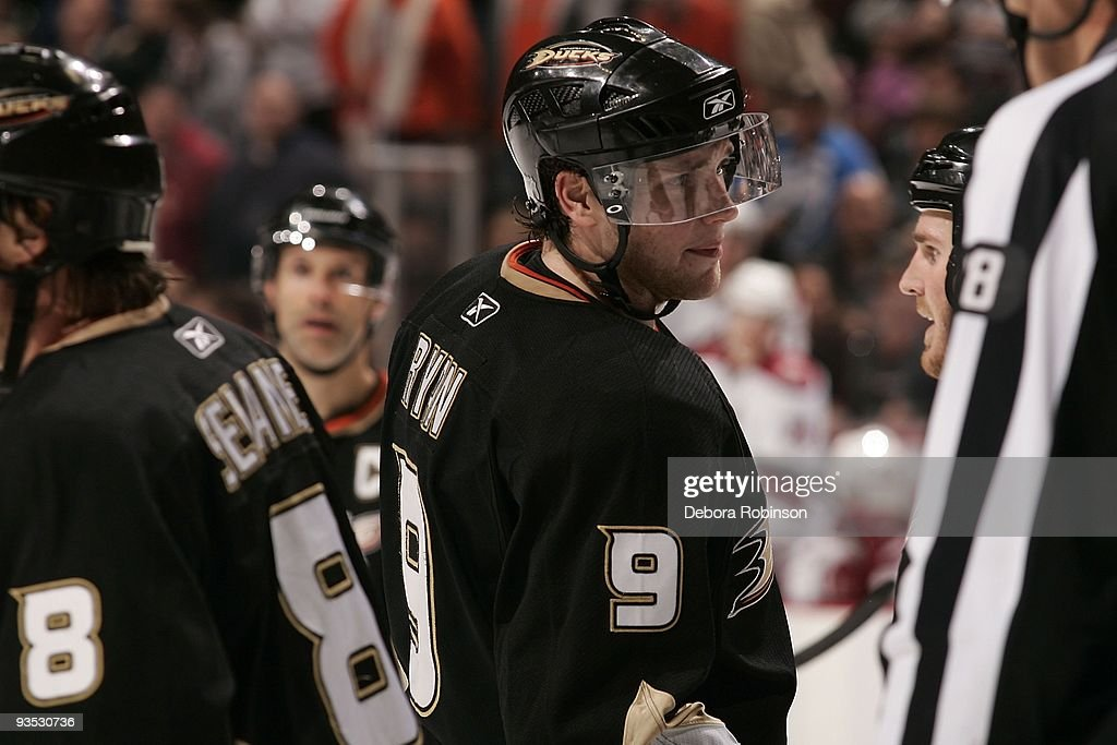Bobby Ryan of the Anaheim Ducks skates on the ice against the Phoenix Coyotes during the game on November 29 2009 at Honda Center in Anaheim...