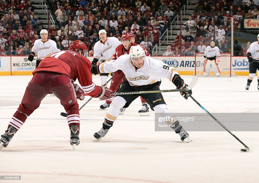 <a gi-track='captionPersonalityLinkClicked' href=/galleries/search?phrase=Bobby+Ryan&family=editorial&specificpeople=877359 ng-click='$event.stopPropagation()'>Bobby Ryan</a> #9 of the Anaheim Ducks skates the puck up ice against the Phoenix Coyotes at Jobing.com Arena on March 2, 2013 in Glendale, Arizona.