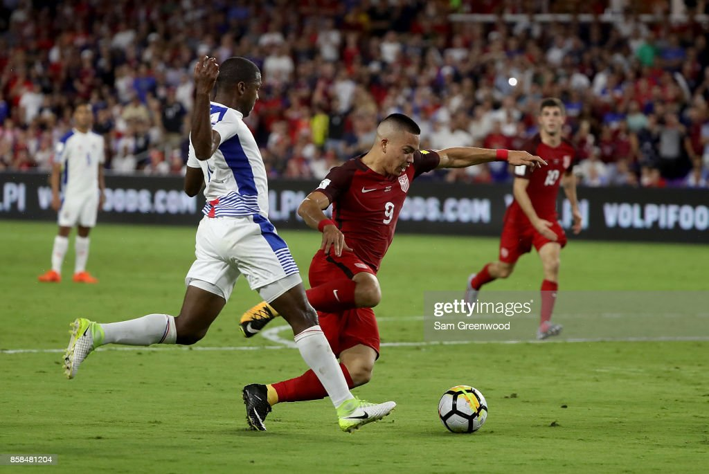 Bobby Wood #9 of the United States drives up the field during the final round qualifying match against Panama for the 2018 FIFA World Cup at Orlando City Stadium on October 6, 2017 in Orlando, Florida.