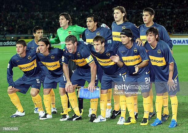 Boca Juniors players pose for a team photograph prior to the kick off the FIFA Club World Cup final between Boca Juniors and AC Milan at the...
