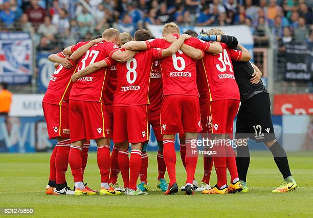 Bochum Germany 2 Bundesliga Saison 2016/2017 1 Spieltag in Bochum VfL Bochum 1848 1 FC Union Berlin Unions Spieler vor dem Spiel