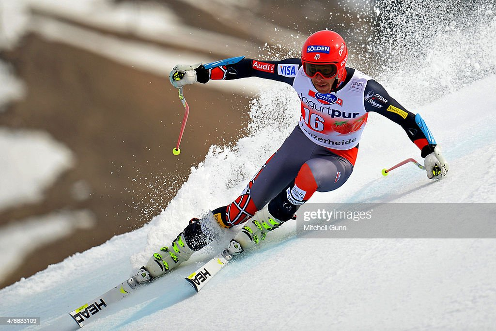 Bode Miller of The USA competes in the Audi FIS Alpine Skiing World Cup Finals Giant Slalom on March 15, 2014 in Lenzerheide, Switzerland.