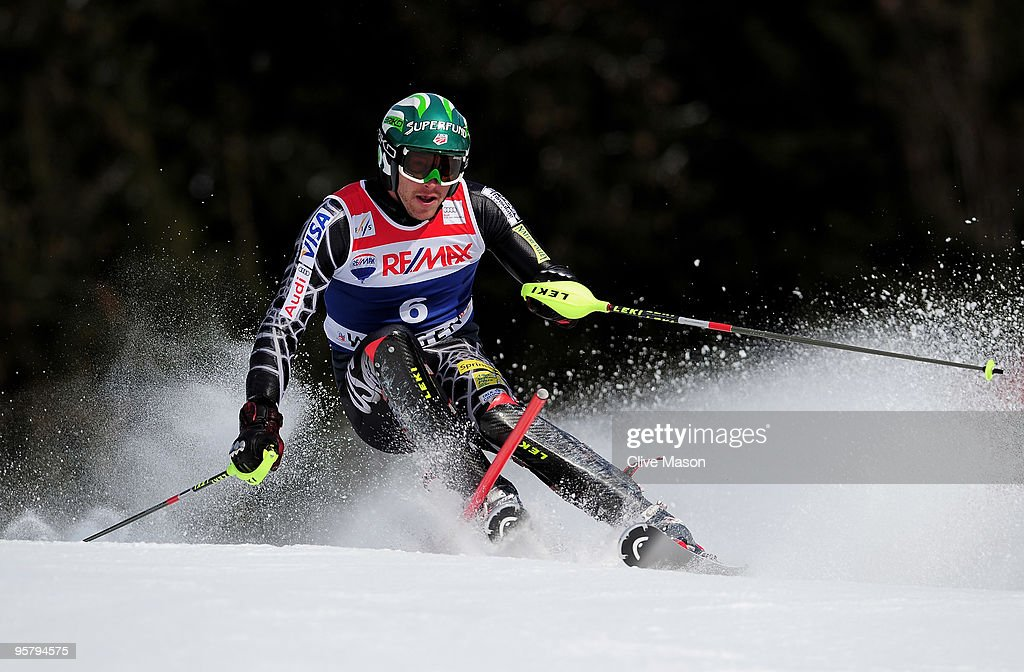 Bode Miller of USA in action on his way to victory during the Mens Super Combined Slalom event on January 15, 2010 in Wengen, Switzerland.