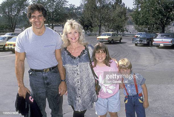 Bodybuilder and Actor Lou Ferrigno wife Carla Green daughter Shanna Ferrigno and son Lou Ferrigno Jr attend the 31st Annual Hollywood Stars Nigh...