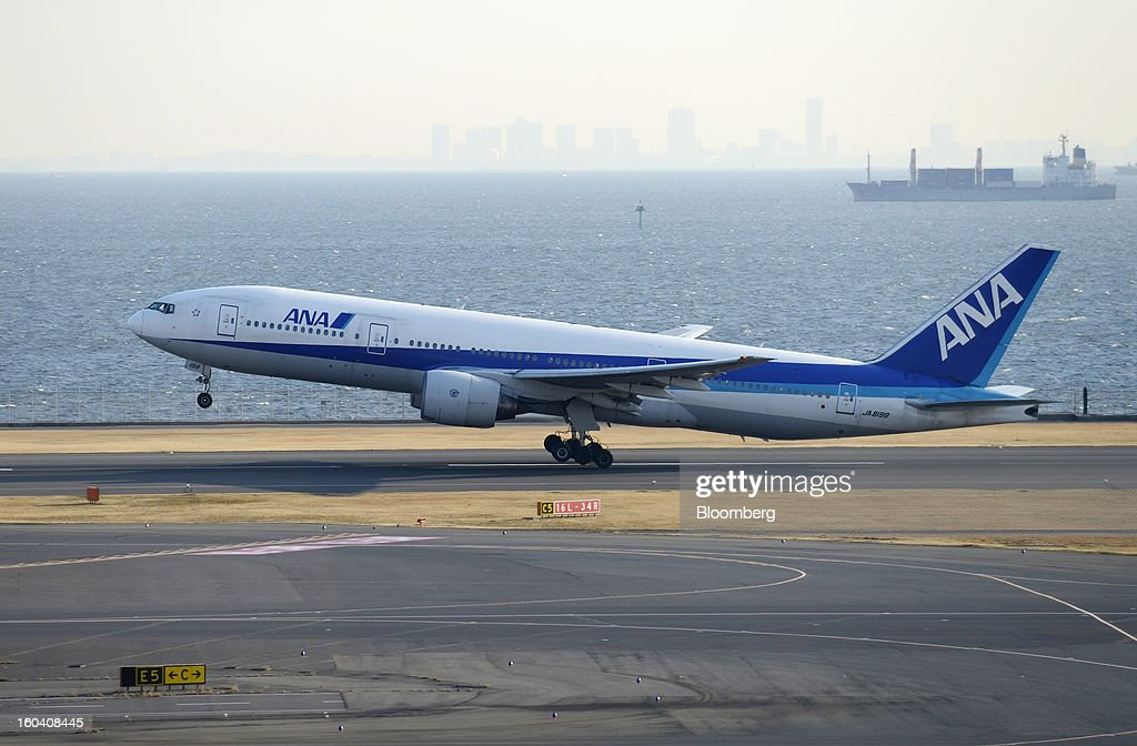 A Boeing Co. 777-200 aircraft operated by All Nippon Airways Co. (ANA) takes off from Haneda Airport in Tokyo, Japan, on Wednesday, Jan. 30, 2013. ANA has canceled a total of 784 flights, affecting 74,200 passengers through Feb. 12, since a Jan. 16 incident that led to the global grounding of Boeing Co. 787s, according to figures from the company. Photographer: Akio Kon/Bloomberg via Getty Images