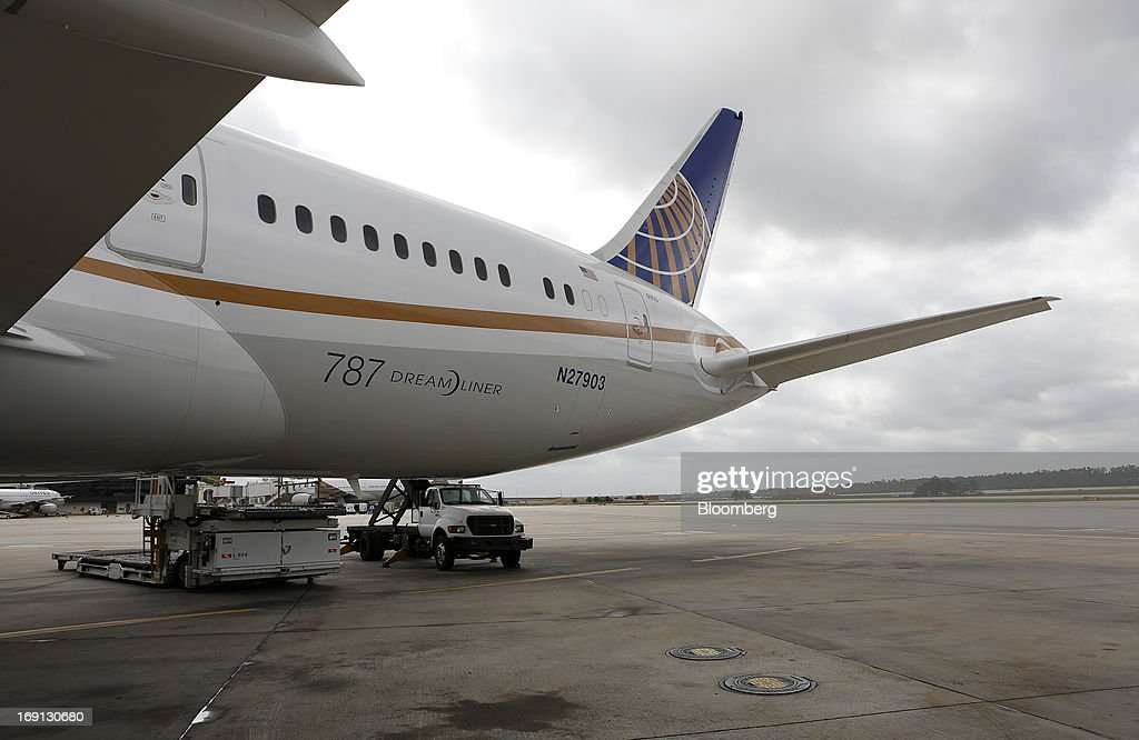 A Boeing Co. 787 Dreamliner aircraft operated by United Continental Holdings Inc., sits on the tarmac at George Bush Intercontinental Airport in Houston, Texas, U.S., on Monday, May 20, 2013. Boeing Co.'s 787 Dreamliner is poised to clear another hurdle in restoring its image as United Airlines, the only U.S. operator, resumes flights after the jet's lithium-ion battery flaws forced a three-month grounding. Photographer: Aaron M. Sprecher/Bloomberg via Getty Images