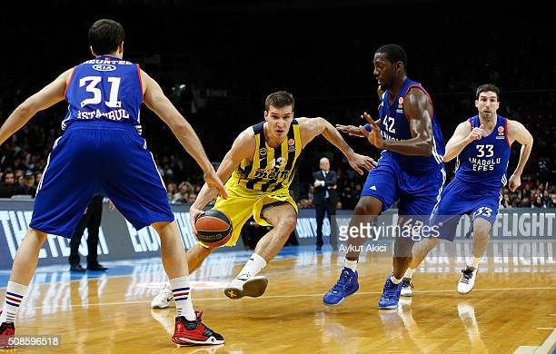 Bogdan Bogdanovic #13 of Fenerbahce Istanbul in action during the Turkish Airlines Euroleague Basketball Top 16 Round 6 game between Anadolu Efes...