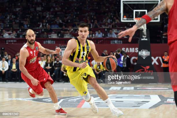 Bogdan Bogdanovic #13 of Fenerbahce Istanbul in action during the Championship Game 2017 Turkish Airlines EuroLeague Final Four between Fenerbahce...