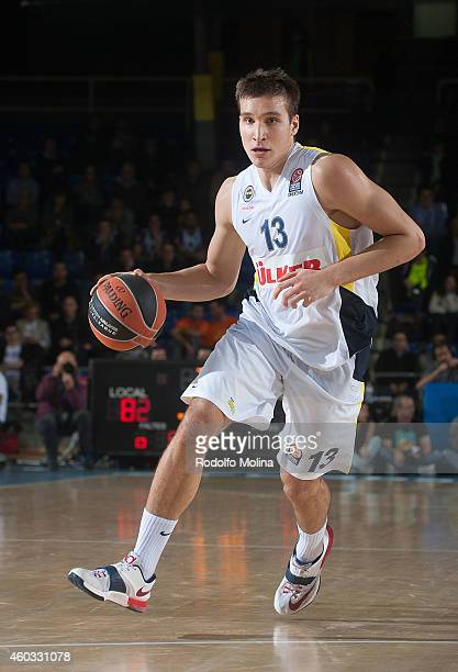 Bogdan Bogdanovic #13 of Fenerbahce Ulker Istanbul in action during the 20142015 Turkish Airlines Euroleague Basketball Regular Season Date 9 game...