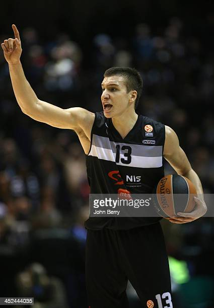 Bogdan Bogdanovic of Partizan Belgrade in action during the Euroleague match between JSF Nanterre and Partizan NIS Belgrade at the Halle Carpentier...