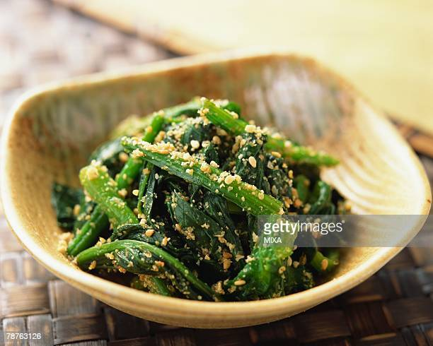 Boiled spinach with sesame