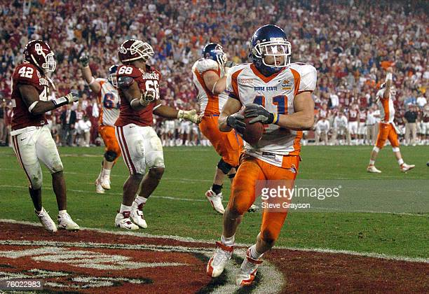 Boise State's Ian Johnson scoring the winning 2point conversion during the Fiesta Bowl between Boise State and Oklahoma at the University of Phoenix...