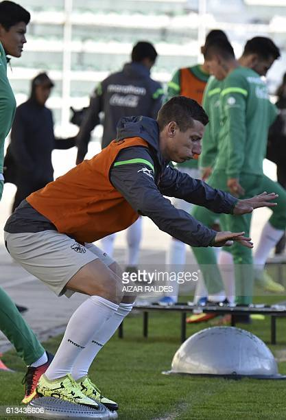Boliva's footballer Pablo Escobar exercises during a training session at Hernando Siles stadium in La Paz on October 8 2016 ahead of the 2018 FIFA...