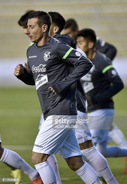 Bolivian national football team player Pablo Escobar takes part in a training session at Hernando Siles stadium in La Paz on October 4 2016 Bolivia...