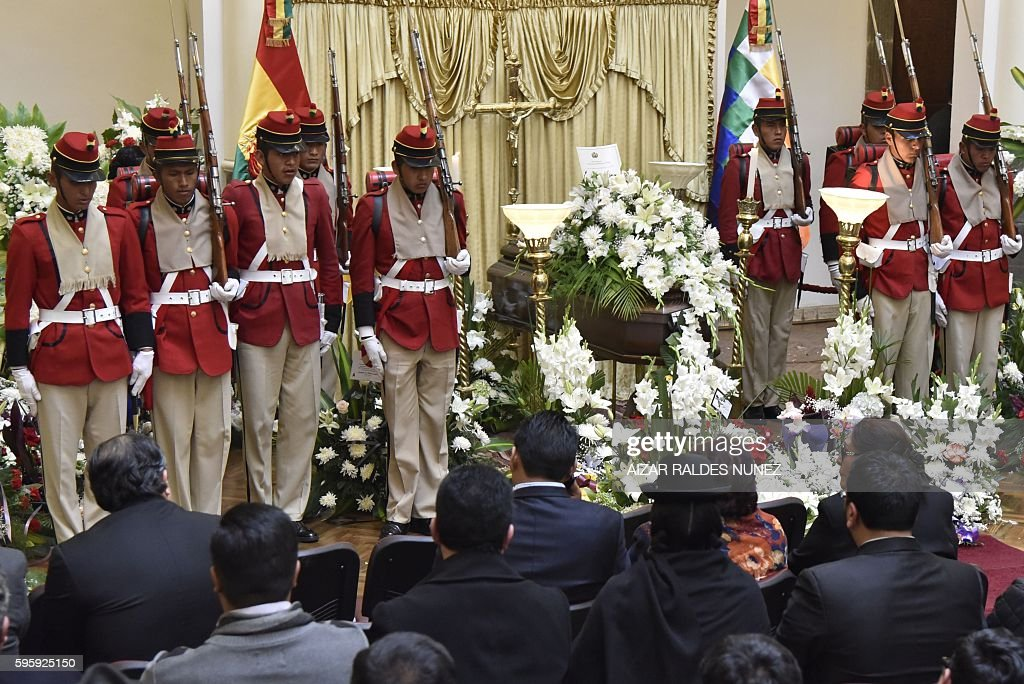 Bolivian soldiers stand on honor guard during the wake of deputy interior minister Rodolfo Illanes at the presidential Quemado Palace in La Paz on...