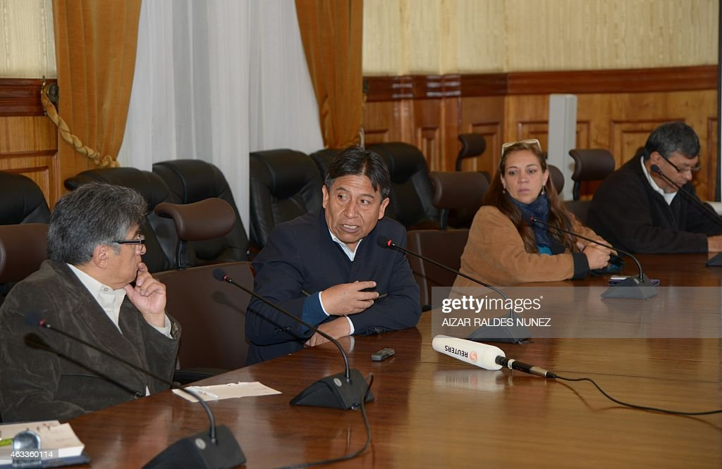 Bolivia's Foreign Minister <a gi-track='captionPersonalityLinkClicked' href=/galleries/search?phrase=David+Choquehuanca&family=editorial&specificpeople=589843 ng-click='$event.stopPropagation()'>David Choquehuanca</a> (C) speaks during a press conference for foreign media in La Paz on February 13, 2015 referring to the of Bolivia with Chile. AFP PHOTO/Aizar Raldes