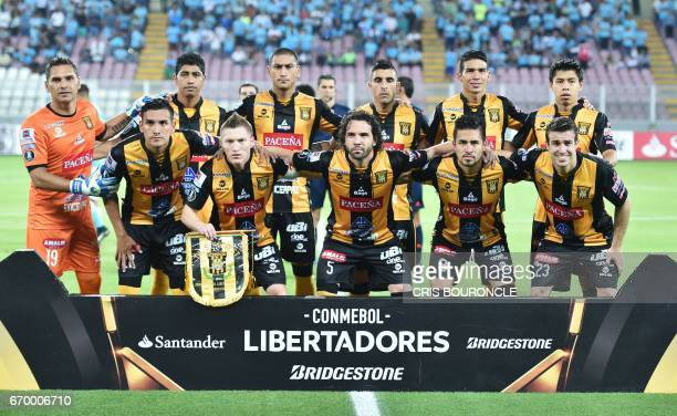 Bolivias Strongest team players pose for a picture prior to their Copa Libertadores match against Peru's Sporting Cristal at the National Stadium in...