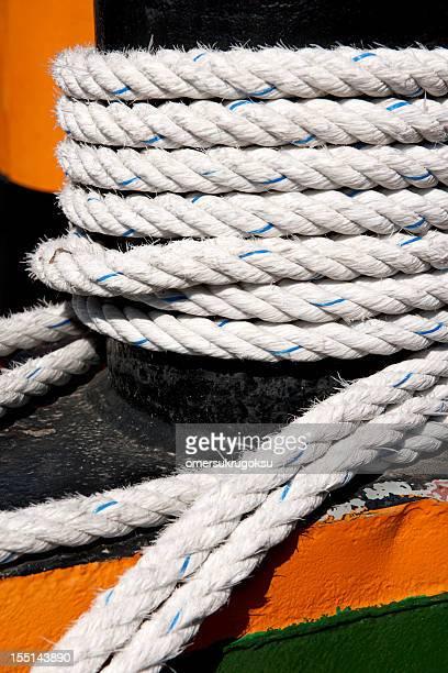 Bollards e bianco corda