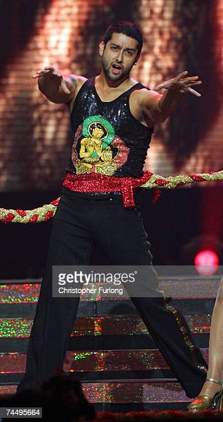 Bollywood actor Aftab Shivdasani performs on stage at the International Indian Film Academy Awards at the Sheffield Hallam Arena on June 9 2007 in...
