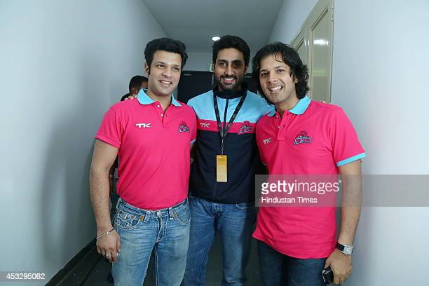 Bollywood actor and Jaipur team owner Abhishek Bachchan with Sarod player brothers Ayaan Ali and Amaan Ali during ProKabaddi league match between...