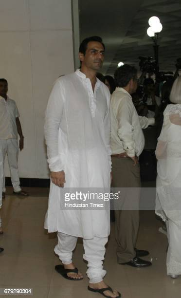 Bollywood actor Arjun Rampal during the prayer meeting organised for the late Bollywood veteran Vinod Khanna at Worli on May 3 in New Delhi India...