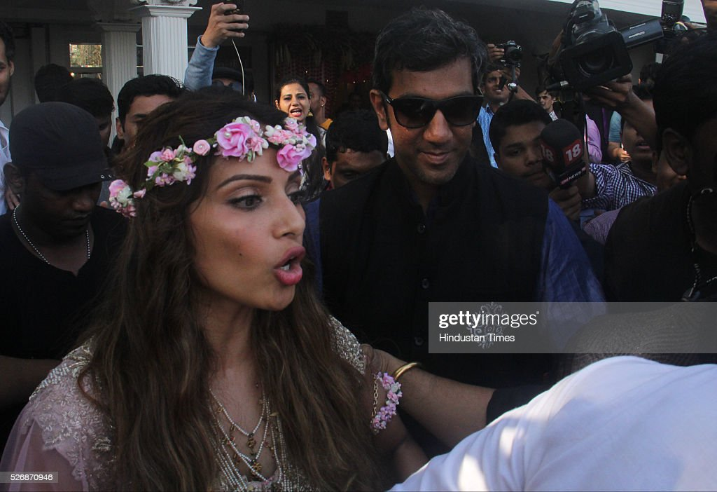 Bollywood actor Bipasha Basu during her Mehndi ceremony at Villa 69, Juhu on April 29, 2016 in Mumbai, India. The day started for the couple with a haldi ceremony. In the evening, the couple will wed according to Bengali rituals at a south Mumbai hotel. It will be followed by a dinner.