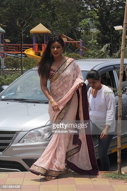 Bollywood actor Neetu Chandra during the Sandhiya Singh's art exhibition at Abitare art gallery at Juhu on May 13 2016 in Mumbai India