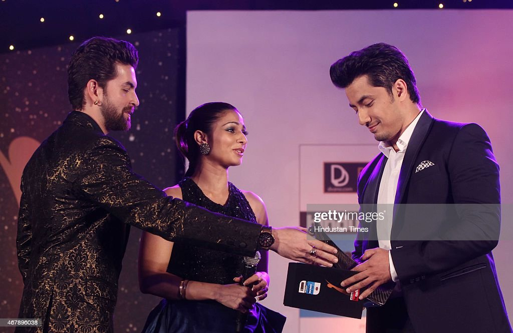 Bollywood actor <a gi-track='captionPersonalityLinkClicked' href=/galleries/search?phrase=Neil+Nitin+Mukesh&family=editorial&specificpeople=5642805 ng-click='$event.stopPropagation()'>Neil Nitin Mukesh</a>, Ali Zafar and Tanishaa Mukerji during the Hindustan Times Mumbai's Most Stylish Awards 2015 at JW Mariott Hotel, Juhu on March 26, 2015 in Mumbai, India.