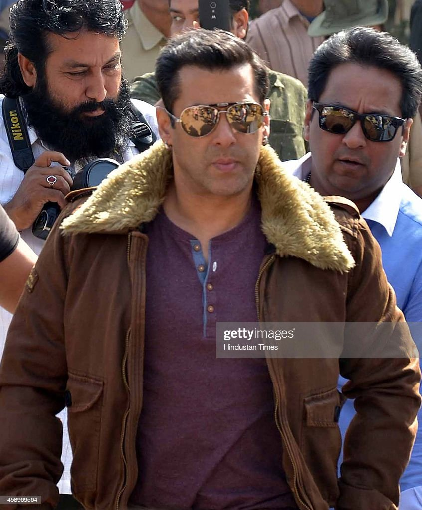 Bollywood actor <a gi-track='captionPersonalityLinkClicked' href=/galleries/search?phrase=Salman+Khan+-+Actor&family=editorial&specificpeople=558807 ng-click='$event.stopPropagation()'>Salman Khan</a> during an appearance at court in black buck poaching case on November 14, 2014 in Jodhpur, India. Khan was convicted and sentenced to one-year and five-year prison terms in separate cases of poaching of two chinkaras at Bhawad and one black buck at Ghoda Farm on the intervening night of September 26-27, 1998 and September 28-29, 1998 respectively.