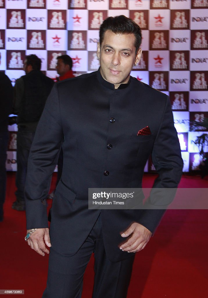 Bollywood actor <a gi-track='captionPersonalityLinkClicked' href=/galleries/search?phrase=Salman+Khan+-+Actor&family=editorial&specificpeople=558807 ng-click='$event.stopPropagation()'>Salman Khan</a> on red carpet during the function to celebrate 21 years of popular TV show 'Aap ki Adalat' hosted by senior journalist Rajat Sharma on India TV on December 2, 2014 in New Delhi, India.