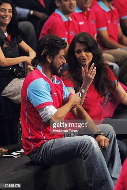 Bollywood actor Shahrukh Khan with Aishwarya Rai Bachchan during Star ProKabaddi league match between Jaipur Pink Panthers and UMumba at NSCI Worli...
