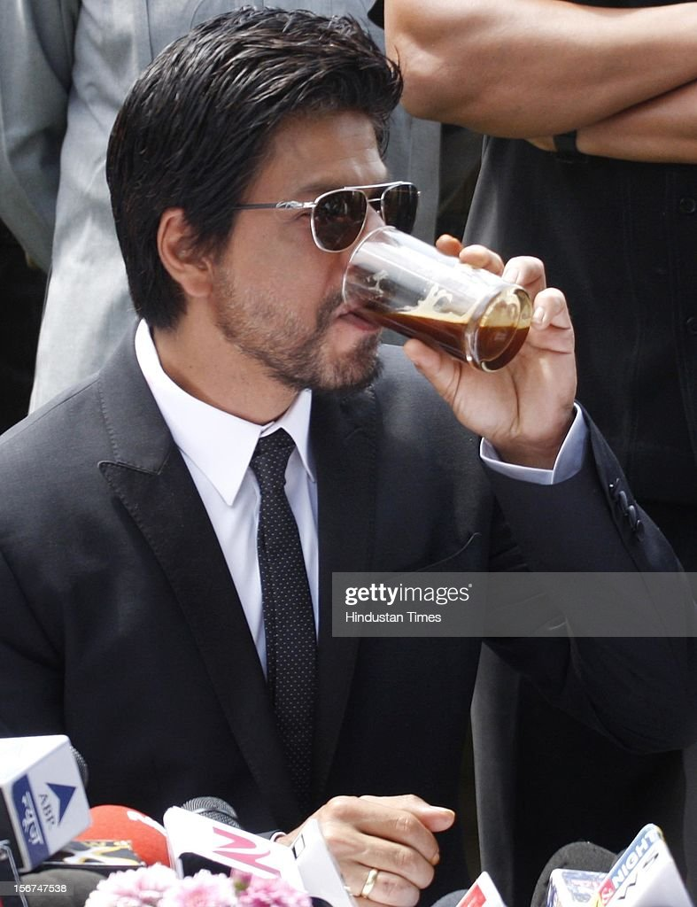 'SRINAGAR, INDIA - SEPTEMBER 6: Bollywood actor Shahrukh Khan adressing press conference on September 6, 2012 in Srinagar, India. (Photo by Waseem Andrabi/Hindustan Times via Getty Images)'