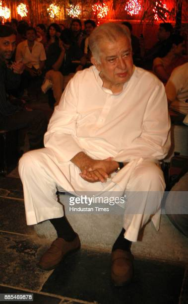 Bollywood actor Shashi Kapoor attends 25th Memorial Concert at Prithvi Theatre at Juhu on Feburary 26 In Mumbai India Shashi Kapoor passed away at...