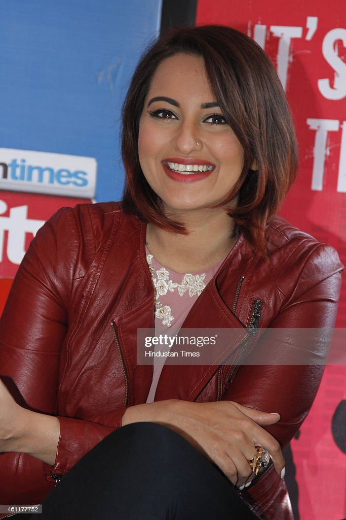 Bollywood actor <a gi-track='captionPersonalityLinkClicked' href=/galleries/search?phrase=Sonakshi+Sinha&family=editorial&specificpeople=5781347 ng-click='$event.stopPropagation()'>Sonakshi Sinha</a> during an exclusive interview for her upcoming movie Tevar at HT Media Office on January 05, 2015, New Delhi, India.