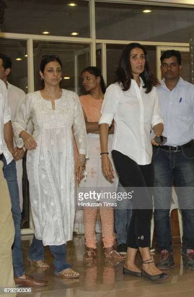 Bollywood actor Tabu during the prayer meeting organised for the late Bollywood veteran Vinod Khanna at Worli on May 3 in New Delhi India Vinod...