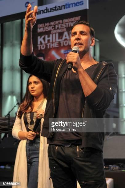 Bollywood actors Akshay Kumar and Bhumi Pednekar during the 4th season finale of Hindustan Times Friday Jam to promote upcoming film 'Toilet Ek Prem...