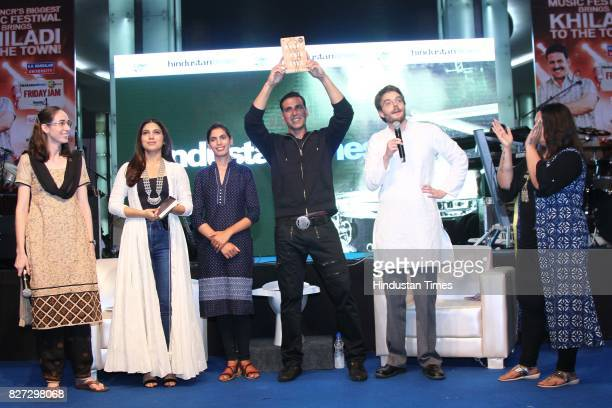 Bollywood actors Bhumi Pednekar and Akshay Kumar with authors Diane Coffey and Dean Spears during the 4th season finale of Hindustan Times Friday Jam...