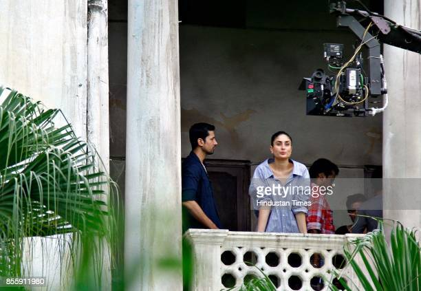 Bollywood actors Kareena Kapoor and Sumeet Vyas spotted while shooting for their upcoming movie 'Veere Di Wedding' at Tolstoy Marg near Connaught...