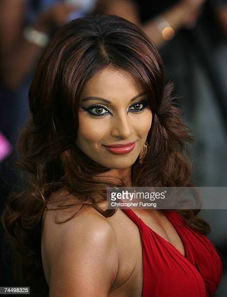 Bollywood actress Bipasha Basu arrives at the International Indian Film Academy Awards at the Sheffield Hallam Arena on June 9 2007 in Sheffield...
