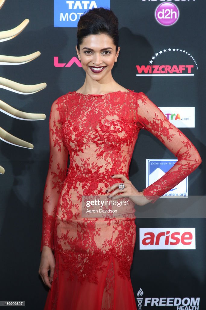 Bollywood actress <a gi-track='captionPersonalityLinkClicked' href=/galleries/search?phrase=Deepika+Padukone&family=editorial&specificpeople=869186 ng-click='$event.stopPropagation()'>Deepika Padukone</a> arrives at the IIFA Awards at Raymond James Stadium on April 26, 2014 in Tampa, Florida.