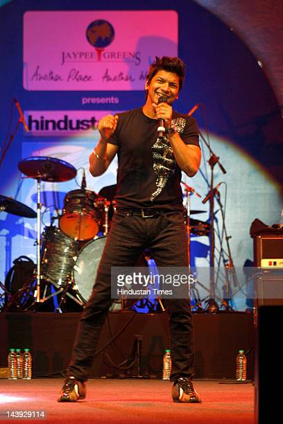 Bollywood Playback singer Shaan performs at Jaypee Greens in Sector 128 on May 5 2012 in Noida India The event was part of Hindustan Times' Noida...