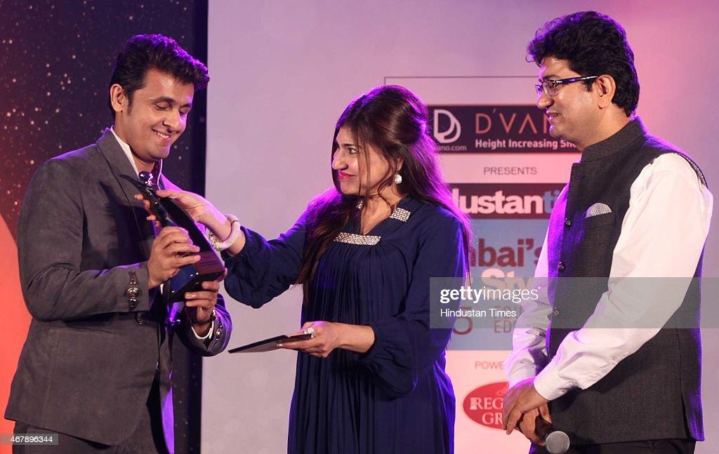 Bollywood playback singers Sonu Nigam, Alka Yagnik and Screenwriter Prasoon Joshi during the Hindustan Times Mumbai's Most Stylish Awards 2015 at JW Mariott Hotel, Juhu on March 26, 2015 in Mumbai, India.