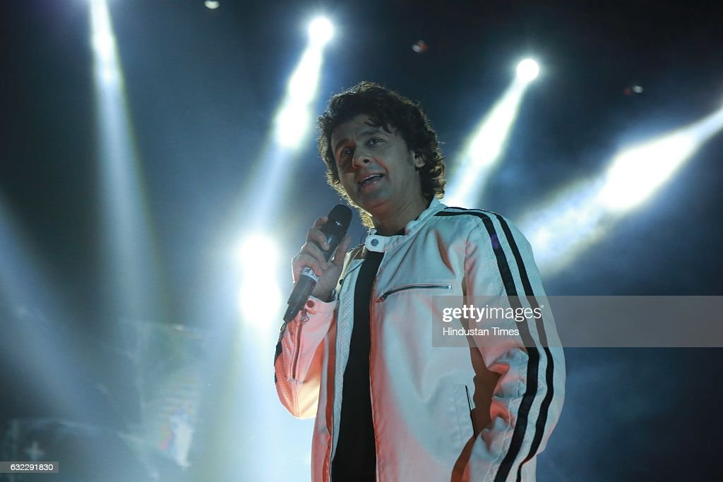 Bollywood Singer Sonu Nigam Performs At Finale Of Ramjas College's Centennial Celebrations : News Photo