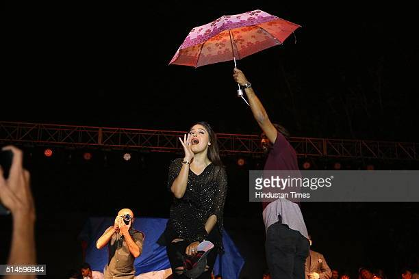 Bollywood singer Sunidhi Chauhan performs during a Nexus Sri Venkateswara College Annual Fest 2016 on March 5 2016 in New Delhi India The threeday...