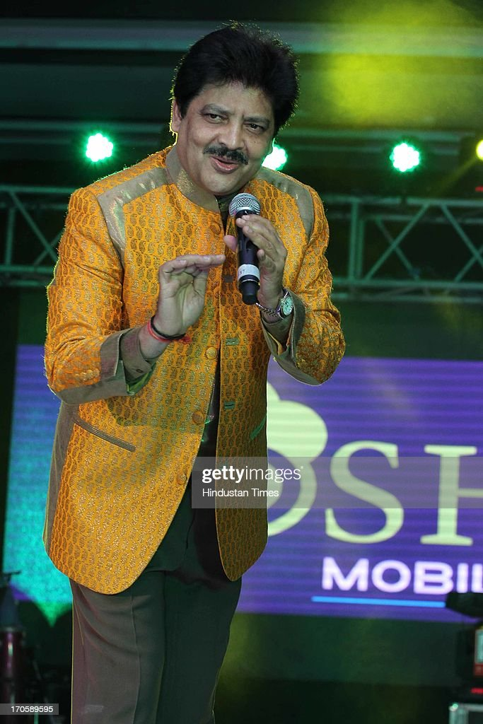 Bollywood singer Udit Narayan performs during the 3rd Anniversary celebration of Josh Mobile and launch of new mobile at Crowne Plaza, Rohini on June 13, 2013 in New Delhi, India.