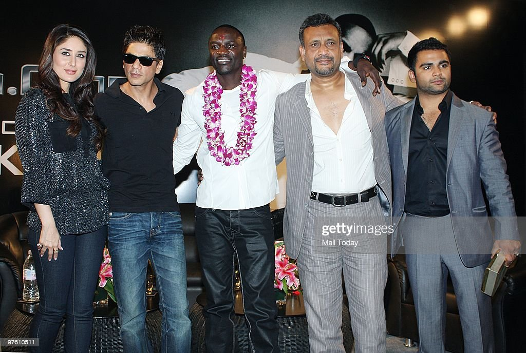 Bollywood stars <a gi-track='captionPersonalityLinkClicked' href=/galleries/search?phrase=Shah+Rukh+Khan&family=editorial&specificpeople=664337 ng-click='$event.stopPropagation()'>Shah Rukh Khan</a> (L), <a gi-track='captionPersonalityLinkClicked' href=/galleries/search?phrase=Kareena+Kapoor&family=editorial&specificpeople=855270 ng-click='$event.stopPropagation()'>Kareena Kapoor</a> (C) and singer Akon pose at a news conference for their forthcoming movie 'Ra.One' in Mumbai March 9, 2010.