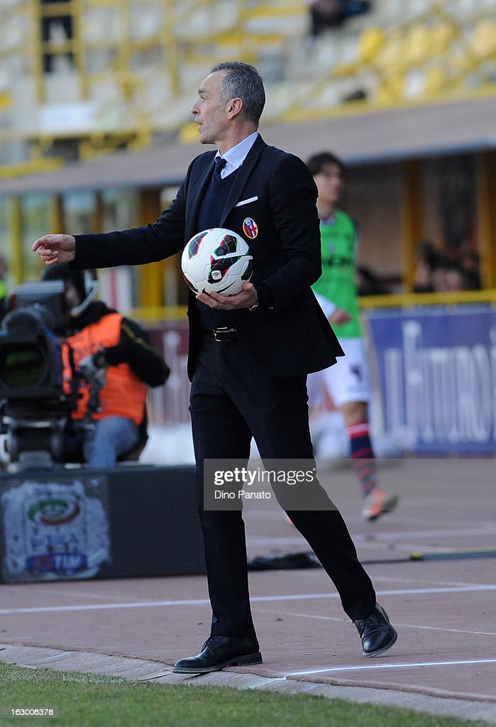 Bologna FC head coach <a gi-track='captionPersonalityLinkClicked' href=/galleries/search?phrase=Stefano+Pioli&family=editorial&specificpeople=6314383 ng-click='$event.stopPropagation()'>Stefano Pioli</a> gestures during the Serie A match between Bologna FC and Cagliari Calcio at Stadio Renato Dall'Ara on March 3, 2013 in Bologna, Italy.